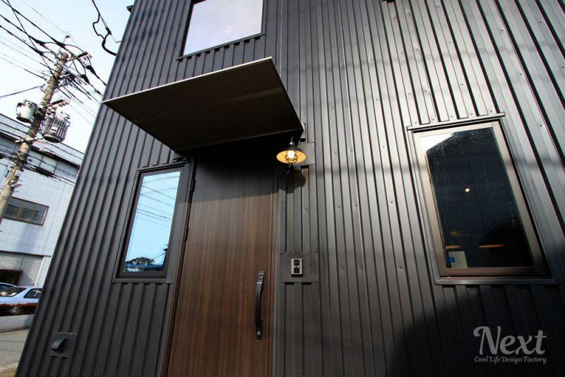 ZERO-CUBE WAREHOUSE(ゼロキューブ ウェアハウス) 玄関前の写真