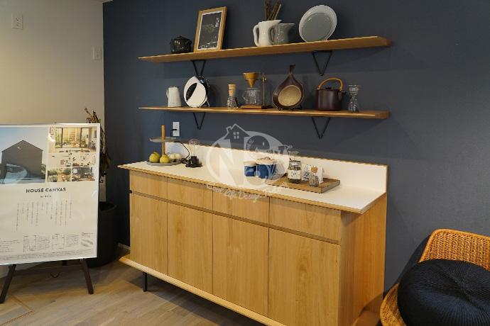 HOUSE CANVAS(ハウスキャンバス)内観キッチンカップボード写真