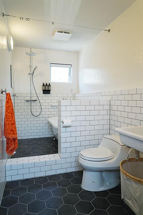 BRICK RENTAL HOUSE パウダールーム・バスルーム写真