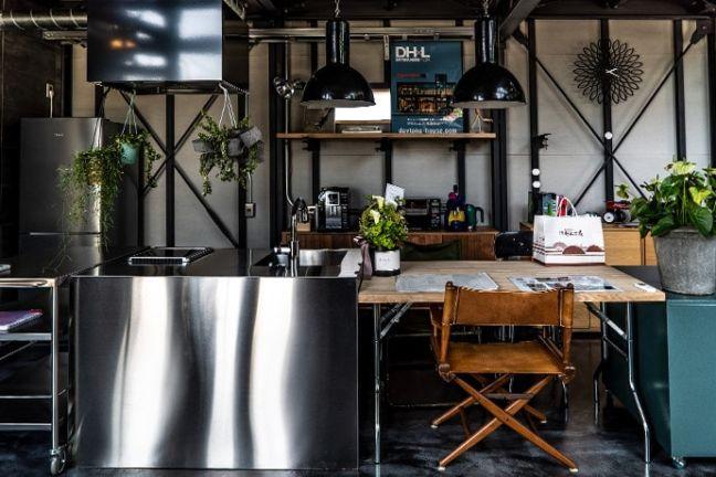 静岡県浜松市バランスデザインDAYTONA HOUSE(デイトナハウス) オフィス兼ショールーム 内観写真キッチン