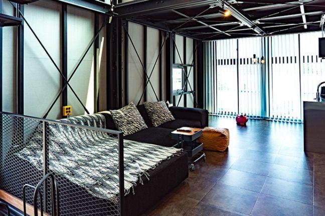 DAYTONA HOUSE(デイトナハウス)ガレージアパートメント「GLB」2Fルーム
