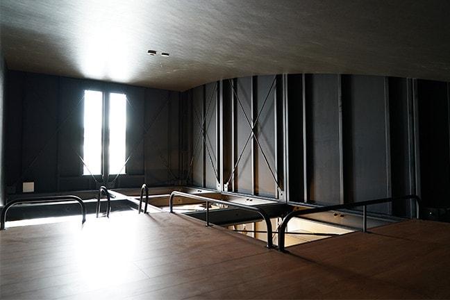DAYTONA HOUSE(デイトナハウス)ガレージアパートメント「GLB」足立 BLACK HANGAR 2315 2Fロフト